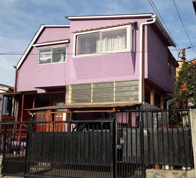 Terreno con 3 casas en venta
